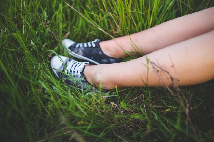 rest-grass